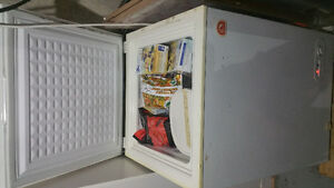 Small Igloo Chest Freezer