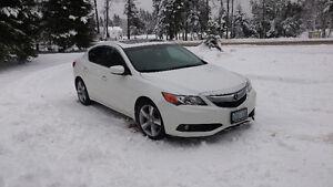 2013 Acura ILX Premium Sedan