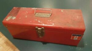Old rusty Canadian Tire metal toolbox 16 inches