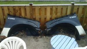 2006 Ford F250-F350 fenders with plastic Shield and Hood