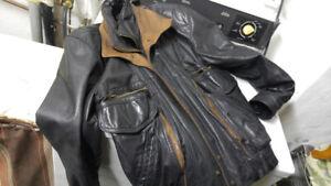 Leather jacket, medium size !