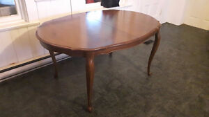 Selling Gorgeous Dining Room Table