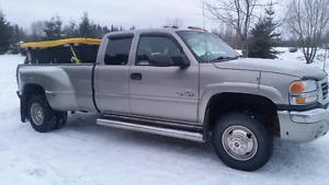 2003 GMC 3500 dually 4x4 loaded