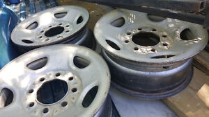 Rims for a 2500 Chevy or gmc..... fits 1988 to 1998