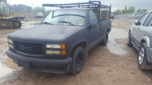 1998 SIERRA P/UP.. JUST IN FOR PARTS AT PIC N SAVE! WELLAND