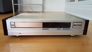 """Superb and very rare Marantz 94mk2 cd player in """"champagne""""..."""