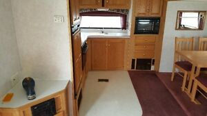 UPDATE: For Sale: 2000 28ft Citation Fifth wheel trave trailer London Ontario image 7