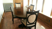 Dining Table with 4 chairs and leaf