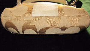 Coach purse- canvas with long strap- very clean West Island Greater Montréal image 3