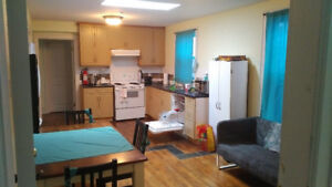 ROOMS TO RENT EXCLUSIVE FEMALE , ON QUINPOOL, ALL INCLUSIVE