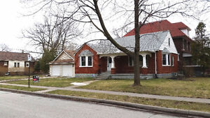 BUNGALOW/RANCH ON BIG CORNER LOT W/LRG 2 CAR GARAGE