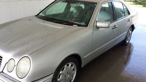 1997- MERCEDES BENZ E-320 SEDAN FOR SALE: $4,000.00 Kingston Kingston Area image 7