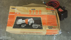 Winch, used very little, (no bracket) REDUCED !!!!!