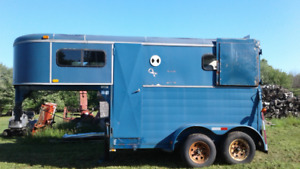 For sale: 1993 Royal 2-horse trailer