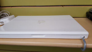 Macbook  2.0GHZ,160GB,2GB,DVD-RW,WIFI,WEBCAM, CHARGEUR Gatineau Ottawa / Gatineau Area image 2