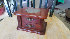 Adorable small Jewelry Box