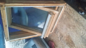 Velux Skylight that opens! 22x28 inches small Kingston Kingston Area image 2