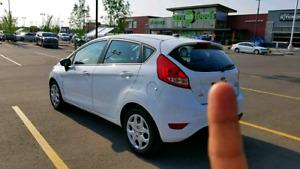 2013 Ford Fiesta SE Well-miantamed Clean