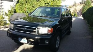 2001 Nissan Pathfinder LE SUV, Crossover