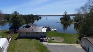 White Lake Four Season Home/Cottage with 160' of Waterfront: