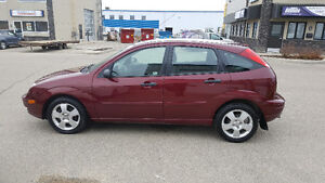 2007 Ford Focus ses Hatchback(HEATED SEATS)
