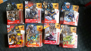 8 BRAND NEW AGE OF EXTINCTION TRANSFORMES NEW IN ITS ORIGINAL PA