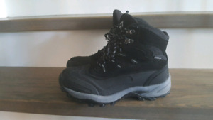 Men's size 8 BANFF Trail winter boots in excellent condition