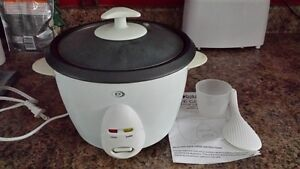 Rice Cooker, Brand new with Manual and Accesories