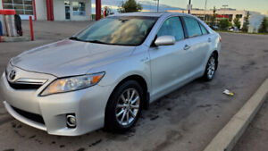 2011 Toyota Camry Hybrid Low Kms. BEST VALUE!!!