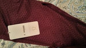 Lululemon 'Sweaty Endeavor' Tight - Brand New with Tag! Size 4