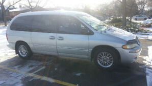 Chrysler town country 2000