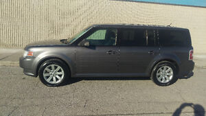 2010 Ford Flex SE, Crossover FWD - with Trailer Hitch