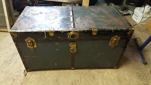 antique shipping / steamer trunk