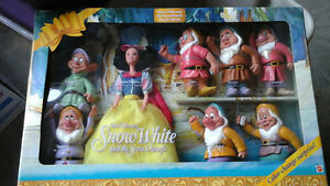 Mattel Snow White & the Seven Dwarfs Color Changing Gift Set