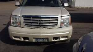 White 2004 escalade ESV fully loaded for sale CALL NOW LOW KMS