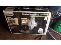 Shiatsu massaging cushion