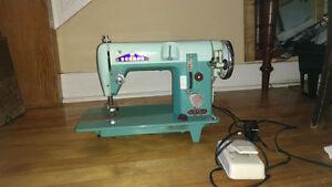 SEWMOR Vintage Sewing Machine (606)