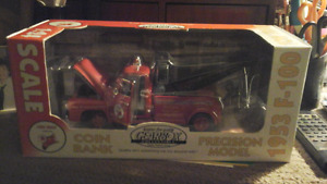 Scale model 1953 f-150 tow truck