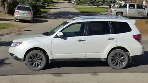 2013 Subaru Forester Touring package SUV, Crossover