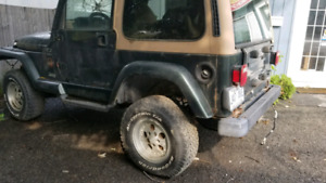 Jeep TJ pour pieces.   PARTS JEEP