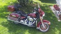 Harley Davidson (FLHTCI) Electra Glide Classic A Vendre $9500