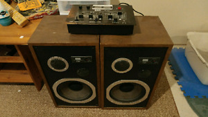 Stereo mixer and speakers