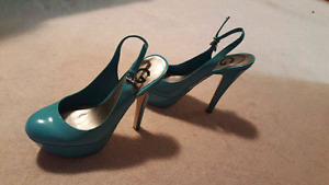 Size 8 green  sandals