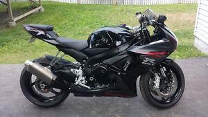 2012 Suzuki gsxr-600 $8,500.00 obo