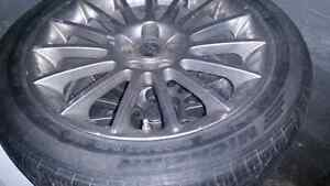 5 300 Chryslers 18inchs Tires ( Great Condition ) 540 $
