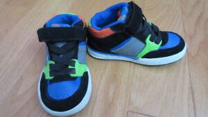Toddler Skate Shoes - Size 6 3a62741b98c1