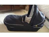 Outnabout nipper 360 carrycot and adapter bar for use with pushchair