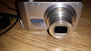 CAMÉRA SONY MODEL DSC-WX10 SILVER FULL HD7X OPTICAL ZOOM STÉRÉO,