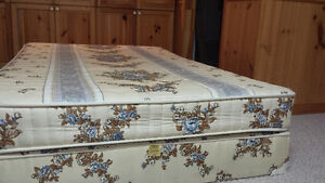Double mattress with boxspring