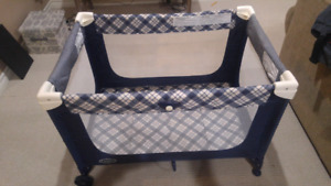Pack and play/travel crib